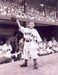 Eddie Gaedel waves to his adoring fans in St. Louis.